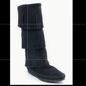 Womens Minnetonka 3 Layer Fringe Boot